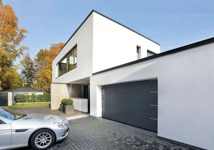 Garagen-Sectionaltor in Edelstahl-Optik