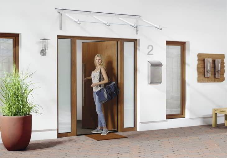 Eingangstür in Decograin Golden Oak