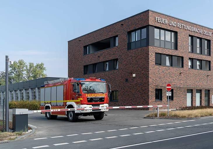 Шлагбаум SH 800 перед пожарной частью